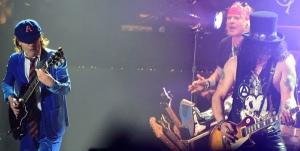 Guns-N-Roses-Angus-Young-2
